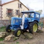 tractopr antiguo que fotografiamos en la provincia de León
